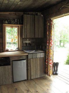 rustic kitchen, vintage curtain
