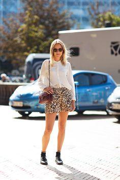 Leopard Shorts + White Blouse Carolines Mode | StockholmStreetStyle