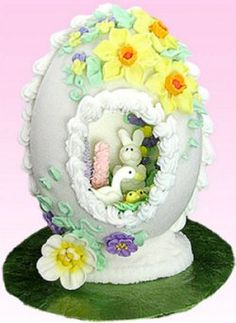 panoramic sugar eggs- pretty with the stand... also contains instructions to make Tami Utley's Panoramic Sugar Eggs