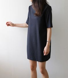 Minimal + Chic | this is great to pair with statement jewelry & standout shoes