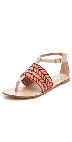 loving these herringbone patterned sandals
