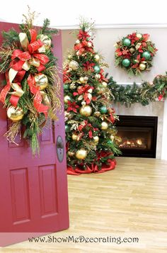 Show Me Ideas for Christmas Door Decor- Traditional Red and Green never looked so good on a teardrop to say Merry Christmas to your guests