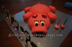Cutest Little Piggy Birthday Cake... This website is the Pinterest of homemade birthday cakes