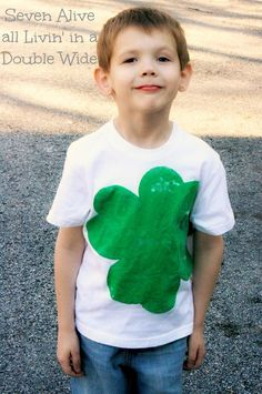 Distressed 4 Leaf Clover Stenciled Shirt - using @Simply Spray project paint!