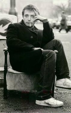 Rik Mayall an amazingly talented man, a comedy genius. I'm so sad that I can never meet him