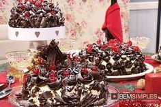 Torta floresta negra. Por: Palmirinha Onofre. www.bemsimples.com/br/receitas/73483-torta-floresta-negra