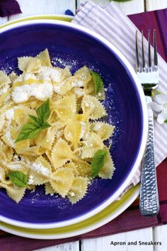 Apron and Sneakers - Cooking & Traveling in Italy: Pasta in Bianco