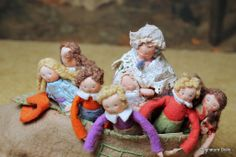 Family of English Dollhouse Dolls in a Shoe ~ Charming!