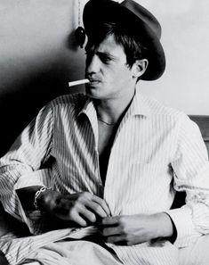 Jean-Paul Belmondo, on the set of A bout de souffle, 1959