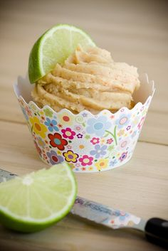 Upside down Key Lime Pie Cupcakes:  Must learn to make cupcakes...
