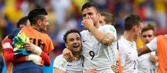 #CM2014   : La France décroche les quarts de finale La France s'est qualifiée difficilement pour les quarts de finale du #Mondial2014 en battant le Nigeria (2-0), grâce à des buts tardifs de Pogba et de Yobo contre son camp, lundi à Brasili.