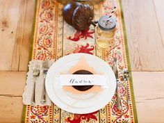 Quick and easy #Thanksgiving place cards>> http://www.hgtv.com/handmade/tips-for-hosting-a-thanksgiving-potluck-dinner-plus-how-to-set-up-a-to-go-station/pictures/page-4.html?soc=pinterest