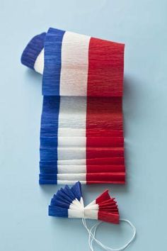 Make mini 4th of July classic bunting from American striped crepe paper!