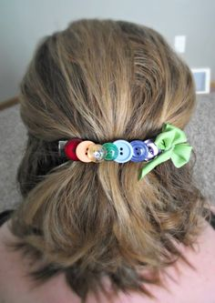 DIY Button Hair Clip for St. Patrick's Day #TBCcrafters #diy #craft #hairclip #buttons #stpattysday #stpatricksday