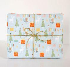 Un montón de Papel de regalo navideño para imprimir!! y tarjetitas también, para todos los despistados de últma hora!!.FELIZ NOCHEBUENA A TOD@S!!!!!!! http://www.manualidadesinfantiles.org/papel-de-regalo-navideno-para-imprimir