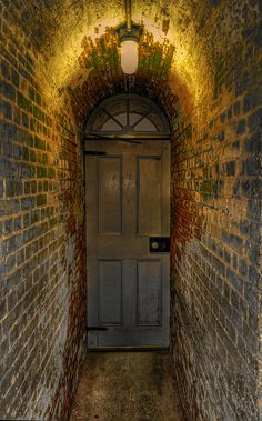 This seems spooky hallway, beauti door