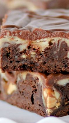 Snickers Cheesecake Fudge Brownies ~ They are fudgy, cheesecakey, and Snickers-ey.
