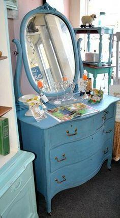 vintag blue, blue painted dresser, painted dressers