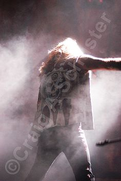 A NYE 2005 Photo of #VinceNeil on the Motley Crue COS Tour. #RIPMotleyCrue #MotleyCrue — with Vince Neil Official.