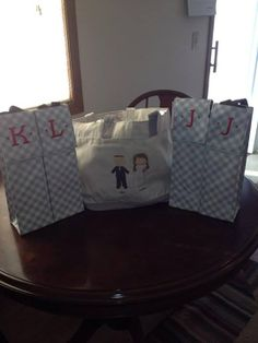 Thirty-One Gifts - Cute and Classy gifts for the Bride and Groom and their wedding party.  Perfect Bottle Thermal $18, Creative Expressions Tote $45