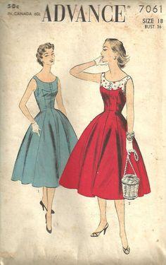 Advance 7061 50s dress pattern with adorable polka-dot contrast yoke
