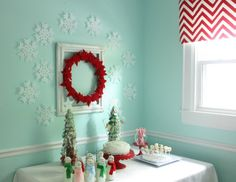 Best 10 Adorable Christmas Kids Room Decorations : Turquoise Colored Wall Christmas Interior Decoration with Cool Christmas Wreath and Ornam...