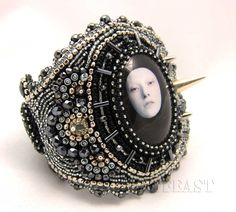 spiked bracelet by  Mana tags, spike bracelet, inspirati, bead bead, bead embroideri, beads, embroidery