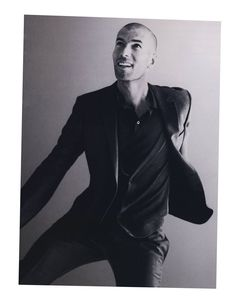 Zinedine Zidane, this is my absolute favorite picture of him. Zidane Zidane.