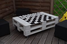 Pallet chess or draughts table #Chess, #Draughts, #Game, #Pallet, #Table
