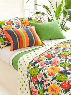love this colorful bedding