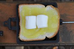 Lemon meringue pudgy pie