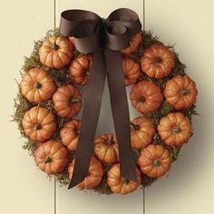 Fall Mini Pumpkin Wreath Tutorial. #autumn #wreaths #pumpkins #Thanksgiving #Halloween
