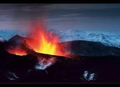 Black Mountain - Eyjafjallajökull Eruption by orvaratli, via Flickr