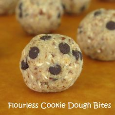 Flourless Chocolate Chip Cookie Dough Bites - you won't believe how delish these are and they're made with healthy ingredients! #glutenfree