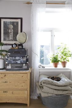 Home Style, Decor, The Chic, Storing Blankets, How To - Tips and Tricks