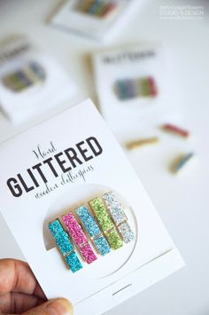 DIY Hand Glittered Clothespins Gift Package using @Michael Sullivan Stores Recollections Glitter + FREE Printable! #homemadegifts #diy #handmadeholidaygifts #easygiftidea #glitter #cutegiftidea #simplegiftidea