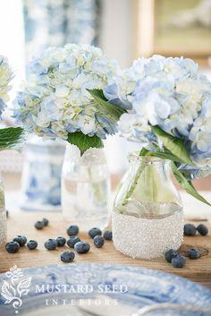 DIY glitter milk jars using #FrogTape via @missmustardseed