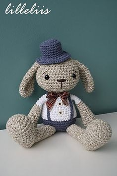Ravelry: Mister Bunny pattern by Mari-Liis Lille.