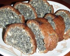 Маковый кекс 1 стакан мака 1 стакан орехов 1 стакан муки 1 стакан сахара 1 стакан сметаны 2 яйца 0.5 ч.л. соды (не гашеной)