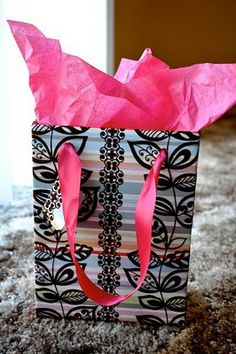 occas gift, gift bags, idea, diy gift, how to make a gift bag, gifts, diy craft, gift gift, make your own gift bag