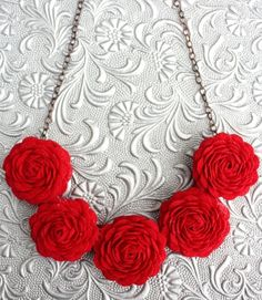 Ric Rac Flower Necklace