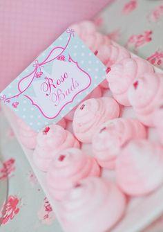 Merengues rosa para una fiesta princesa / Pink meringues for a princess party