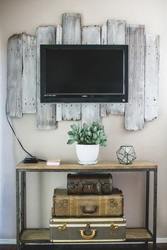 A rustic backdrop for a flat-screen TV decor, idea, old suitcases, old wood, hous, pallets, tvs, backdrop, barn wood
