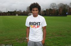 Chelsea FC player Willian is supporting our UK colleagues' 'Play For Change' schools fundraising initiative. Schools can win fantastic Chelsea FC prizes by raising money for Right To Play. Go to playforchange.righttoplay.com to learn more!