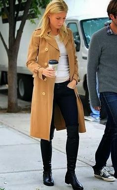 flat black boots / black denim / T / trench / outfit