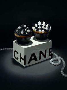 Delicious cake, cupcak, chanel, louis vuitton, food, fashion designers, treat, dessert, haute couture