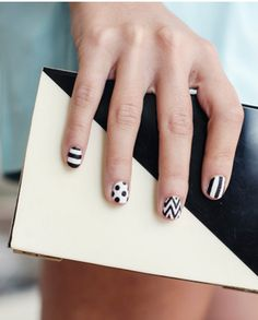 nail art black white, black white nails, nail patterns, black and white manicure, black & white nails, nails black and white, nail arts, beauti, nail manicur