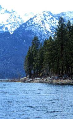 Lake Como on the Bitterroot Valley of Montana   glaciermt.com