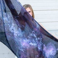 See how to make an easy galaxy scarf with this tutorial. You'll be out of this world!