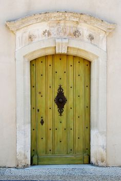 green door, Gordes, Provence